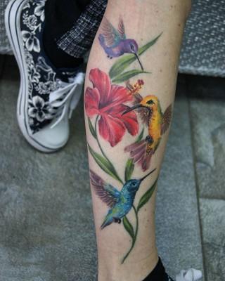 Hummingbirds by Justyna (healed). #justynakurzelowska #darkrosetattoo