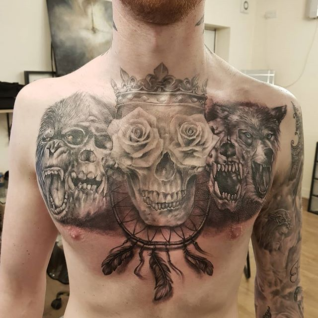 Tattoo on chest done by Justyna. #justynakurzelowska #darkrosetattoo #chesttattoo